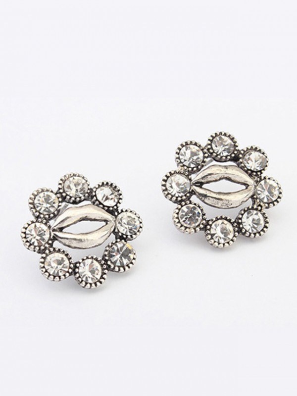 Occident Metallic Personality Hyperbolic Lips Stud Hot Sale Ohrringe
